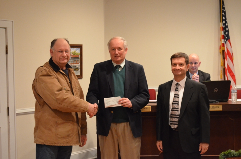 Tazewell County Historical Society Donates to Train Station